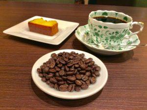 ケニアコーヒーと美味しいケーキ